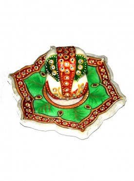 Designer Marble Ganesh With Flower Shap Tray