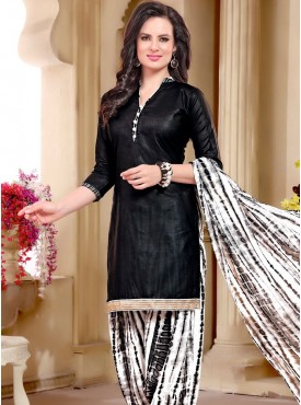 Shelina Black Color printed Suit