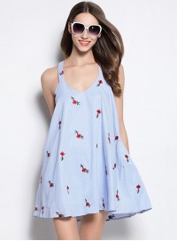 Fashion New Flowers Embroidery Backless Short Beach Dress