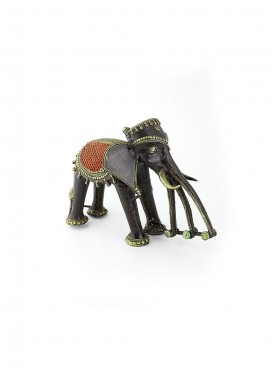 Elephent Coloured With Three Trunks
