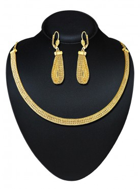 Creative Fashion Jewellery Necklaces For Women In Gold Color