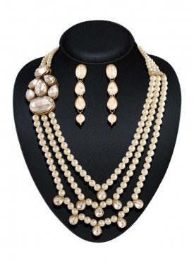 New Design Precious Jewellery Necklaces For Women's In Off White Color