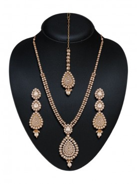 Lovely Off White Color Precious Jewellery Necklaces