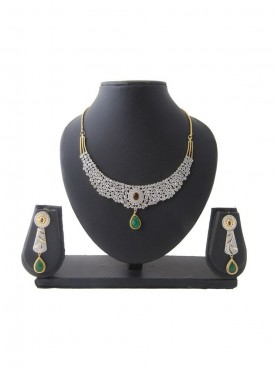 Women Creative Necklaces in Green & Silver Color