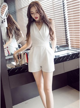 Grace Fashion V-neck Backless Skinny Short Jumpsuit